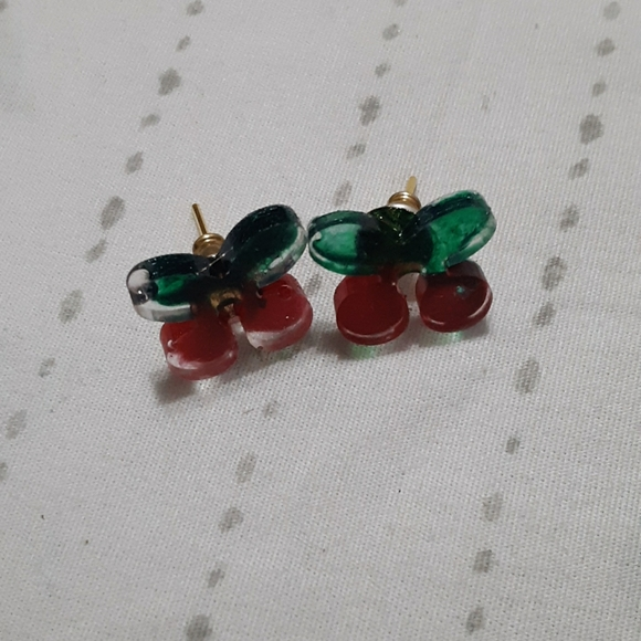 Jewelry - Cherry resin studs